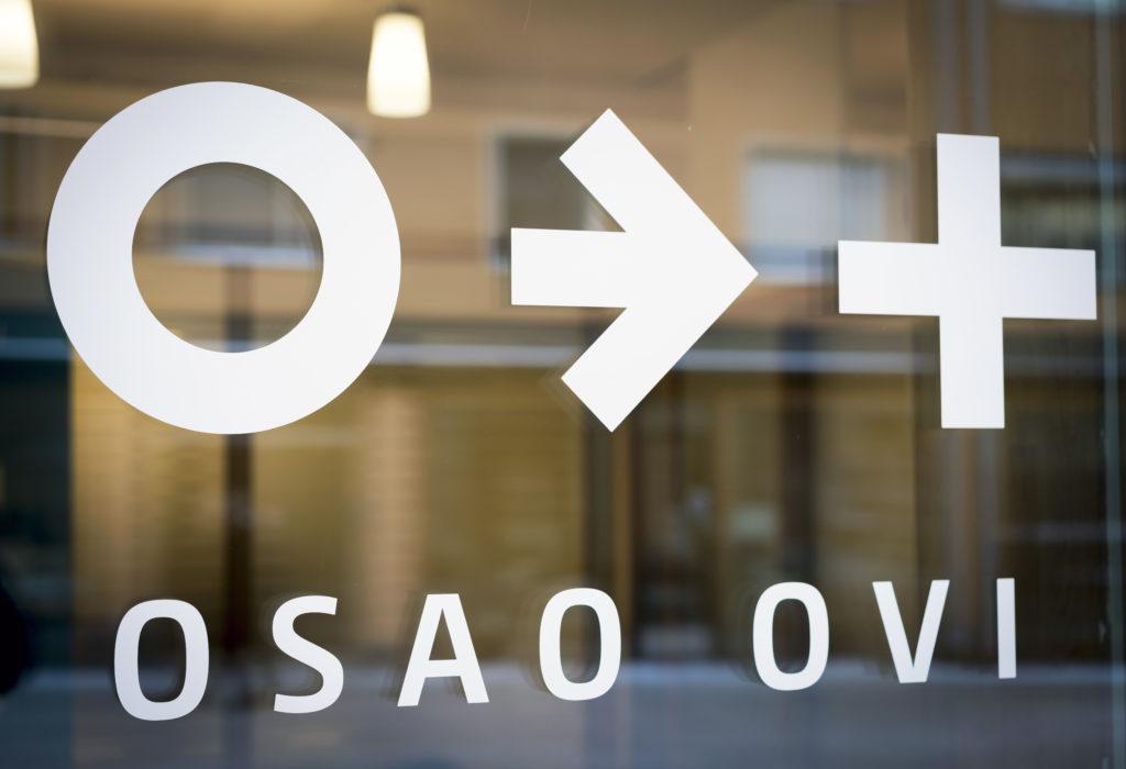 OSAO Ovi teippaukset lasissa.